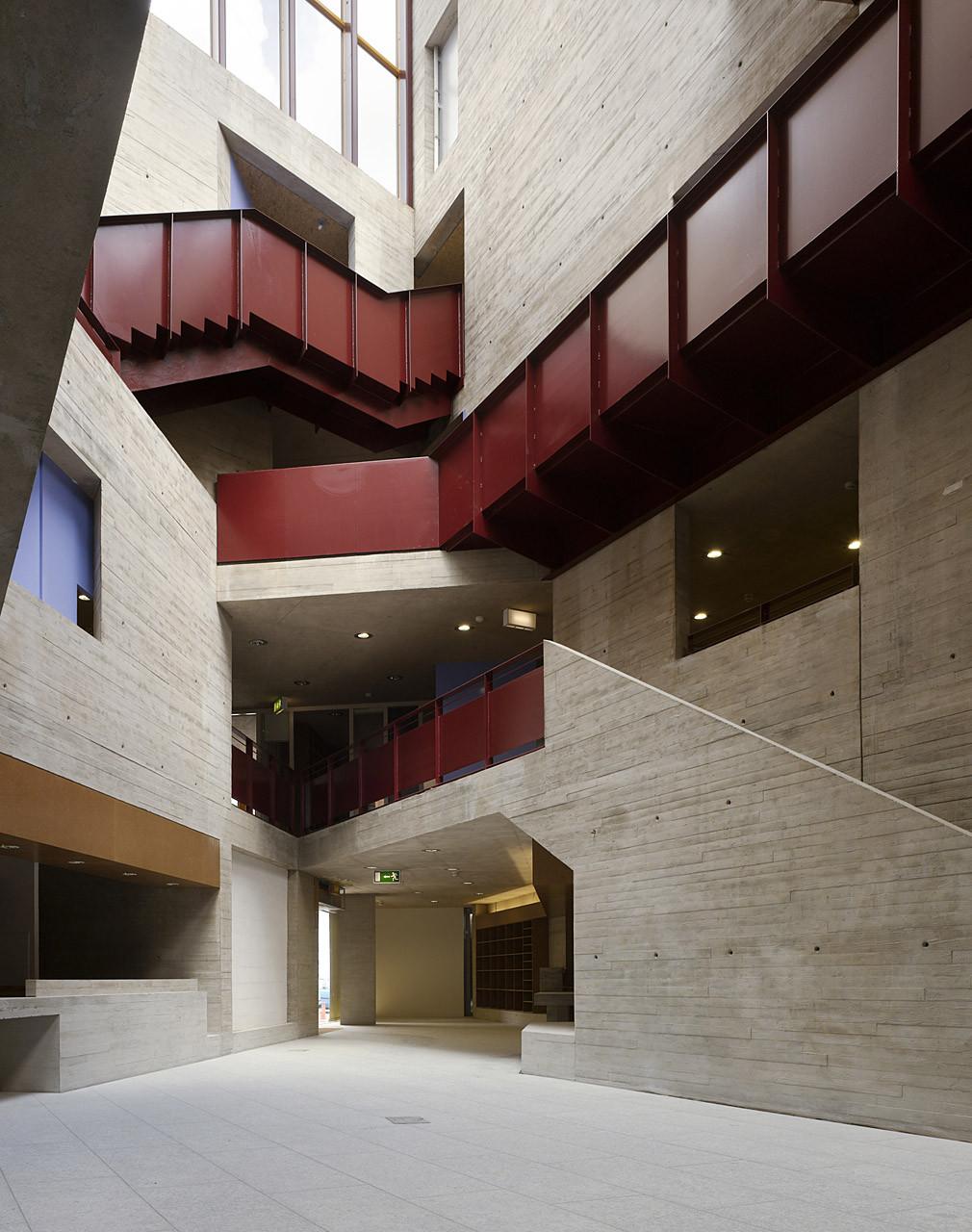 An Gaelaras / O'Donnell & Tuomey Architects, © Dennis Gilbert