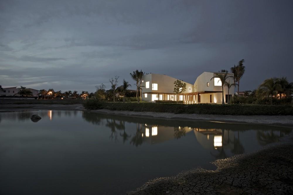 SC PTV House / Luis Aldrete Architects, © Paco Pérez Arriaga