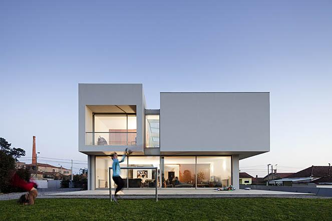 Paramos House Atelier Nuno Lacerda Lopes Archdaily