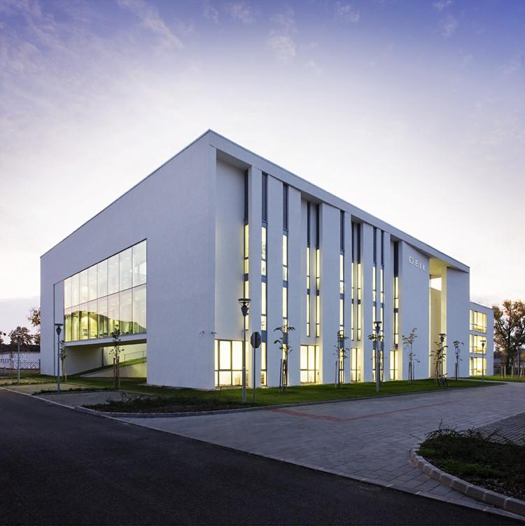 Faculty of Informatics / Peter Kovacs DLA + Istvan Lengyel, © Tamas Bujnovszky