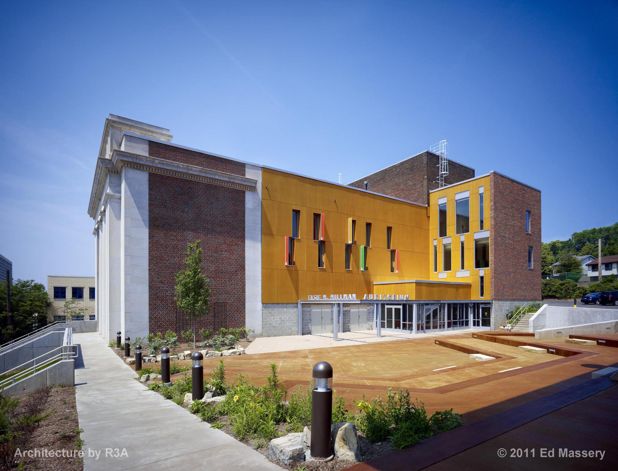 Kaufmann Program Center / Renaissance 3 Architects, © Ed Massery