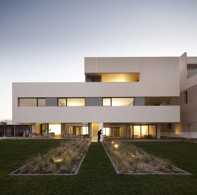 S Cube Chalet / AGi Architects, © Nelson Garrido
