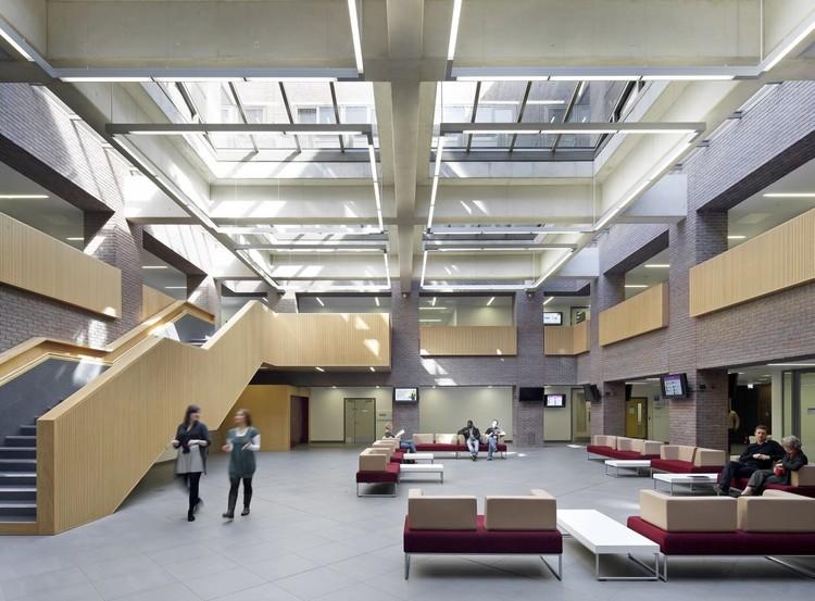 Kingston Business School / Hawkins\Brown, © Hufton+Crow