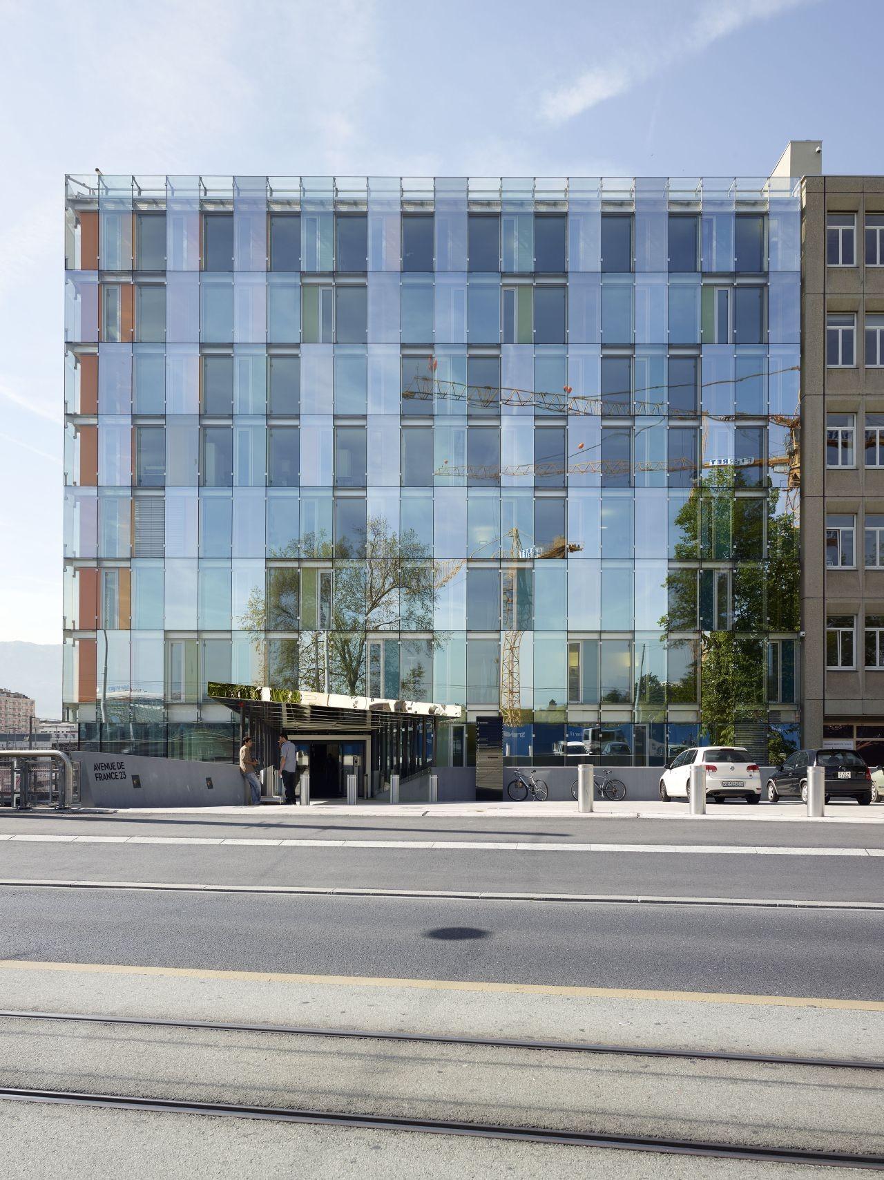 Avenue de France Administrative Building / Group8, © Régis Golay