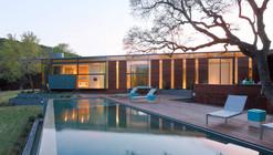 Cascading Creek House / Bercy Chen Studio