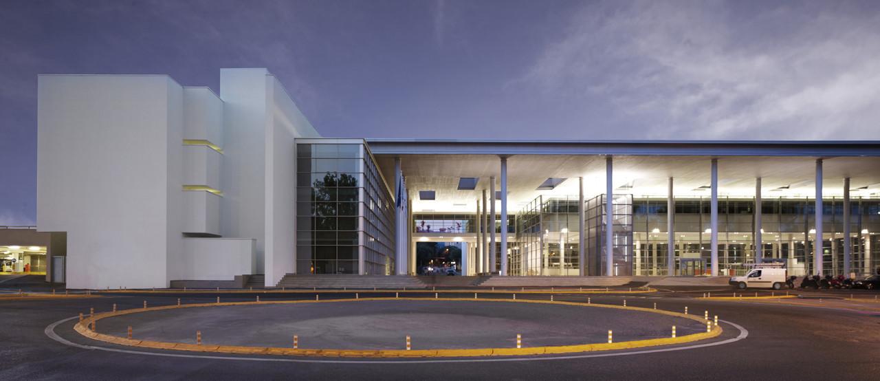 New Entrance of Careggi Hospital / IPOSTUDIO Architects, © Pietro Savorelli