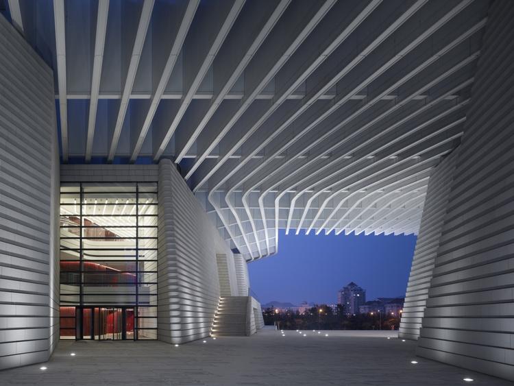 Grand Theater Qingdao / gmp Architekten