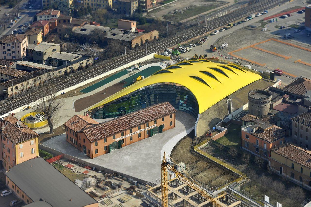 Enzo ferrari museum future systems shiro studio for Casa moderna orari
