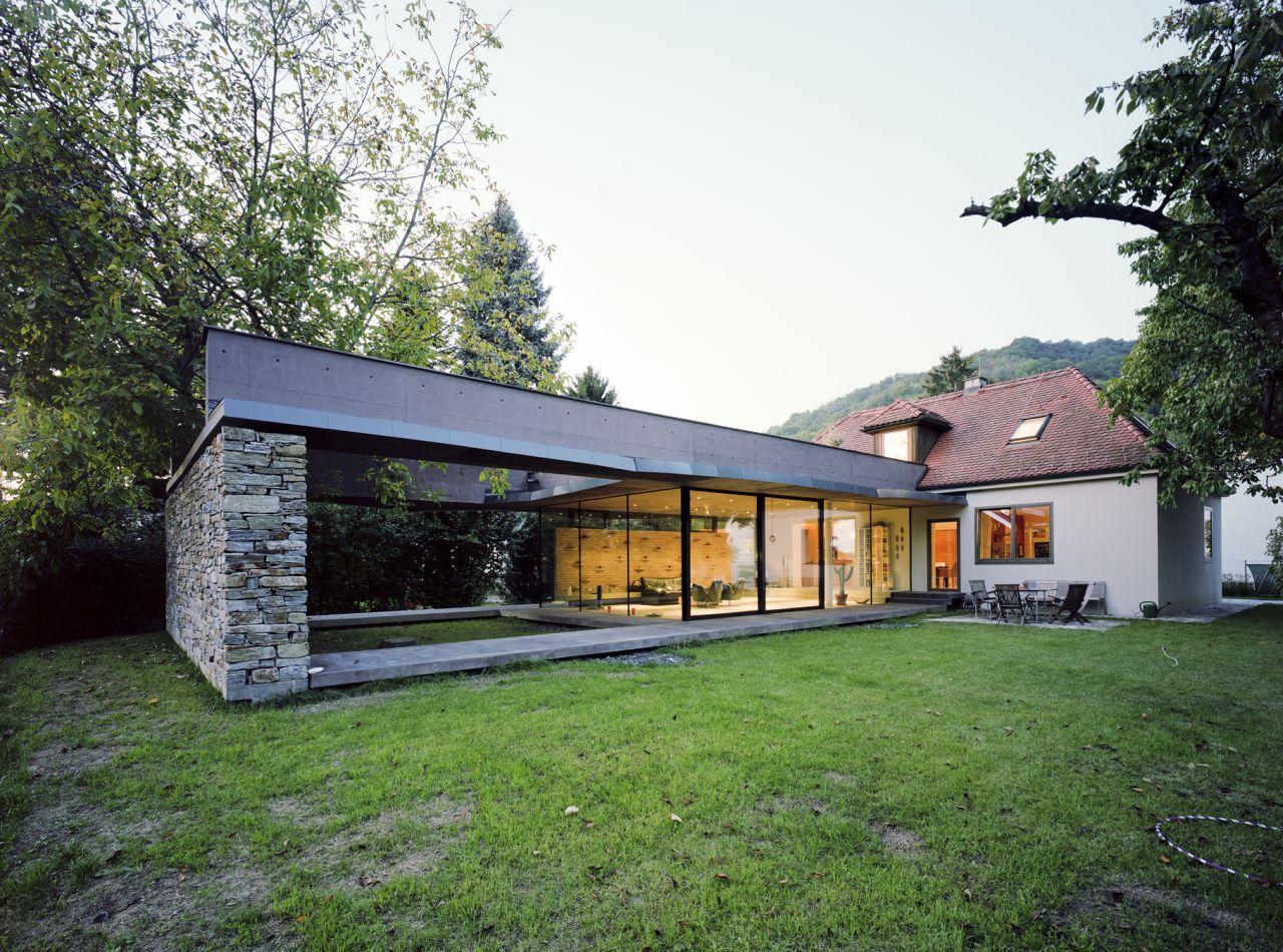 Villa sk atelier thomas pucher archdaily for Extension villa