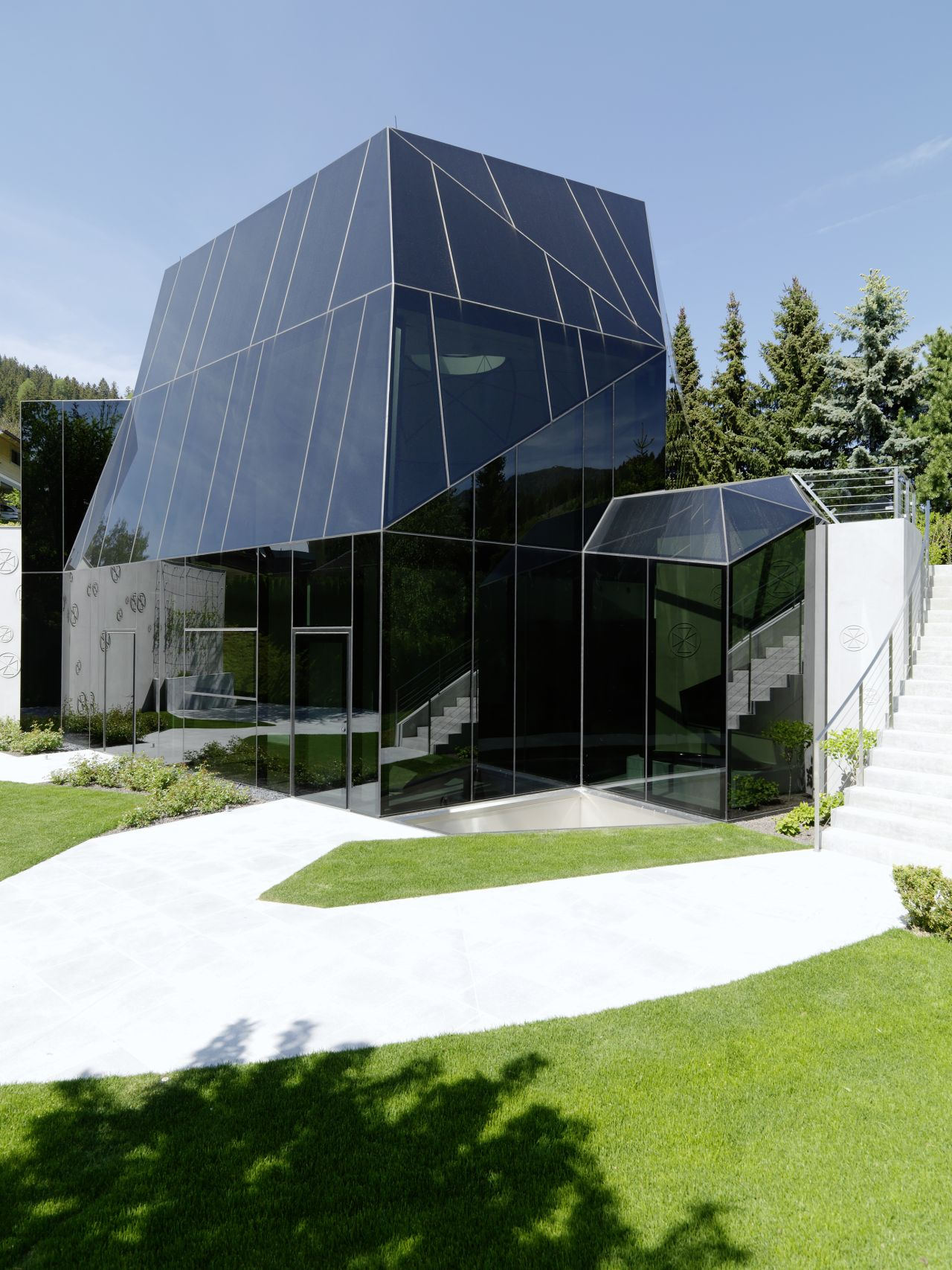 Seminar and Conference Cristal / MHM Architects