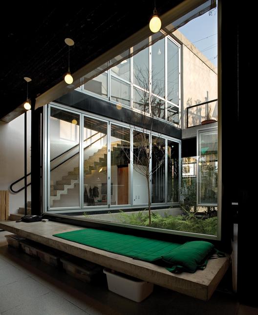 Casa en Coghlan / Parentella & Sánchez Arquitectos, © Claudio Manzoni