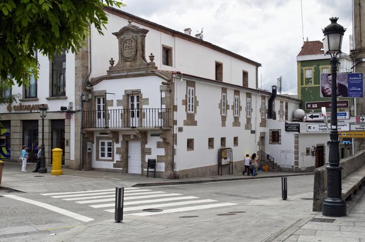 Centro Social de la Tercera Edad / Intra Arquitectos, © Cortesía de Intra Arquitectos