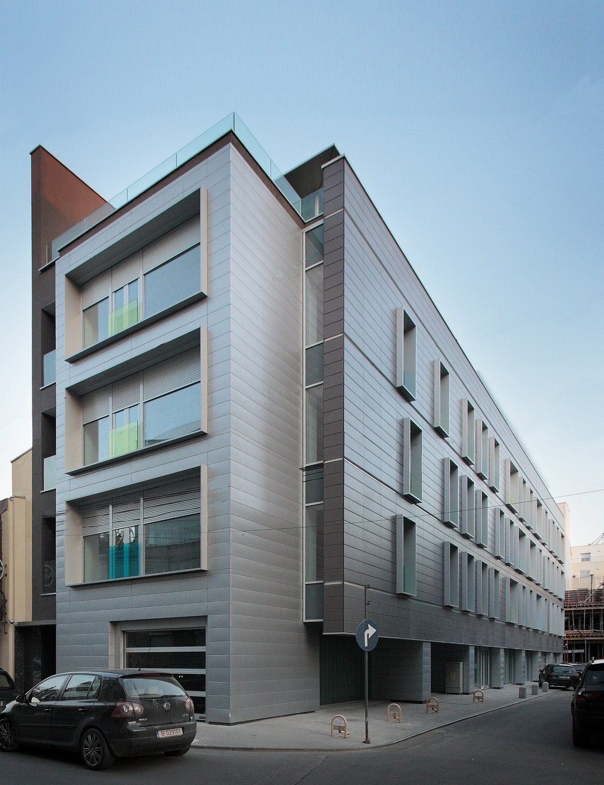 Apartment building on g c linescu street westfourth for Architecture design