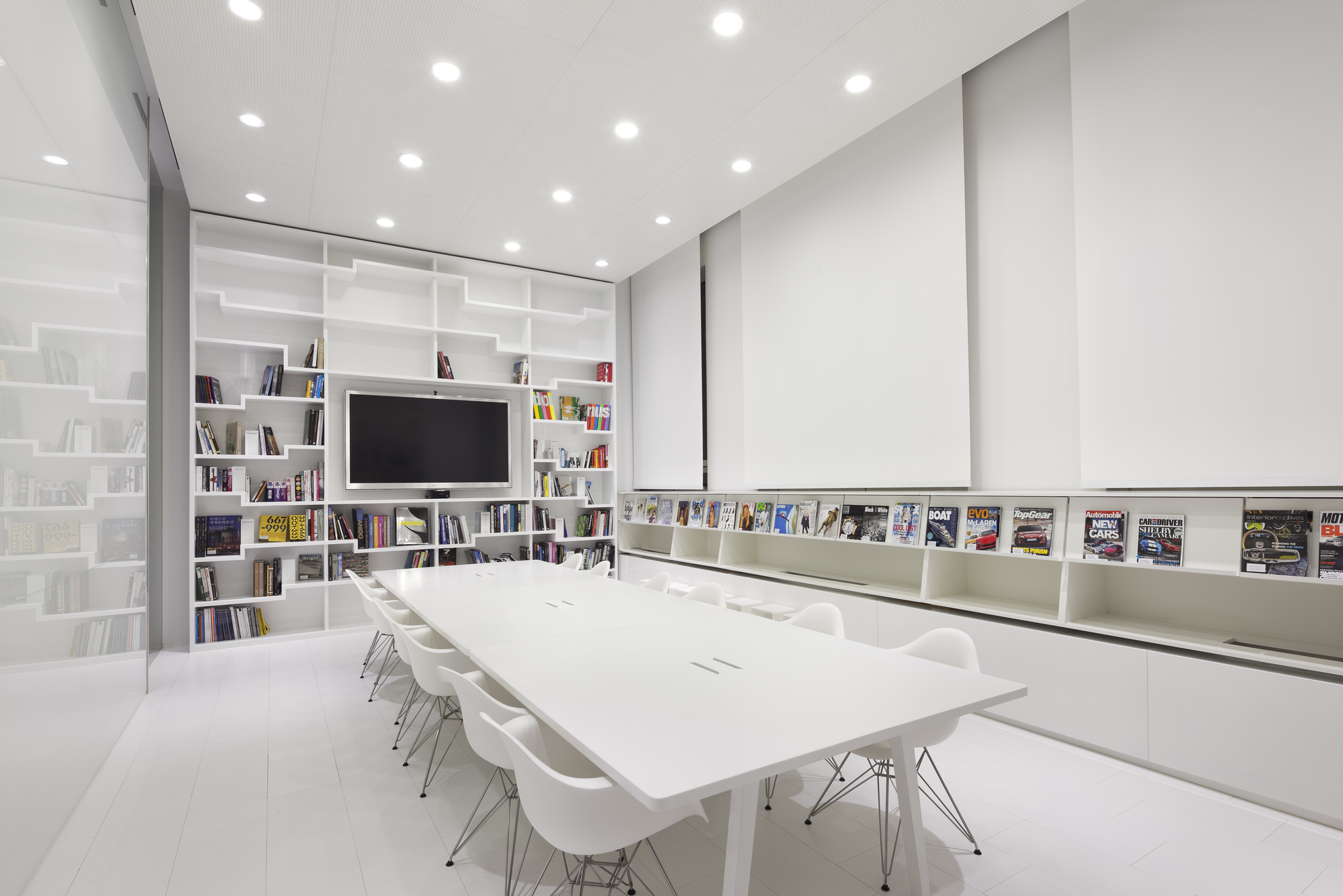 Gallery of hyundai advances design studio delugan meissl associated architects 4 - Studio interior design brescia ...