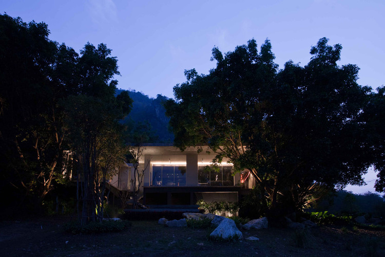 Hilltop House / Openbox Architects, © Pruk Dejkhamheang