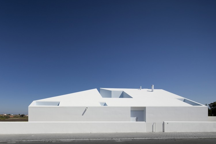 House in Possanco / ARX Portugal, © Fernando Guerra |  FG+SG
