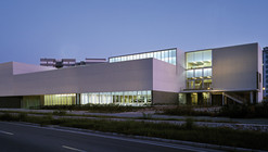 Library and Document Center / Peñín Architects