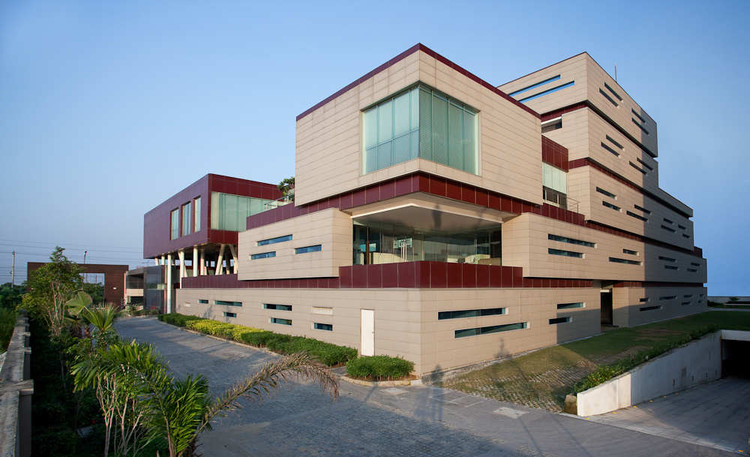 Corporate Office for India Glycols / Morphogenesis, Courtesy of Morphogenesis
