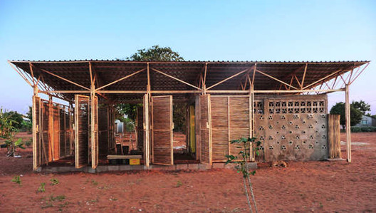 Educational Building In Mozambique / Masterstudents of Bergen School of Architecture, © Tord Knapstad