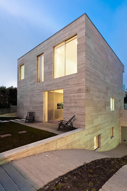 Courtesy of arqx architects