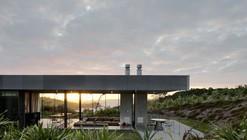 Island Retreat / Fearon Hay Architects