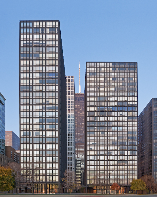 Mies van der Rohe's Lake Shore Drive Restoration / Krueck + Sexton Architects, © William Zbaren