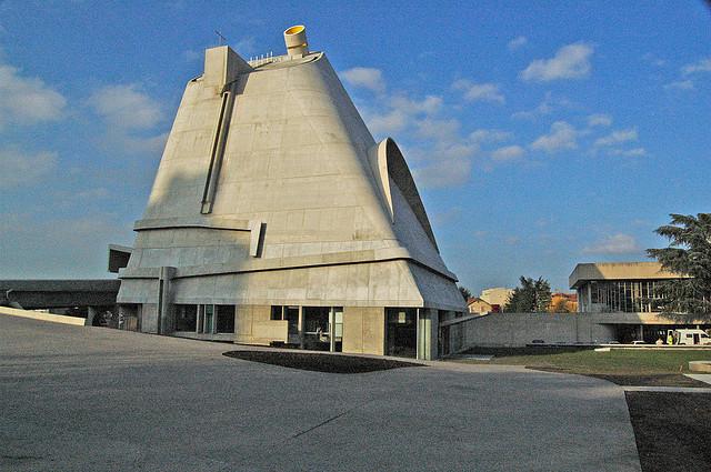 AD Classics: Church at Firminy / Le Corbusier, © Richard Weil
