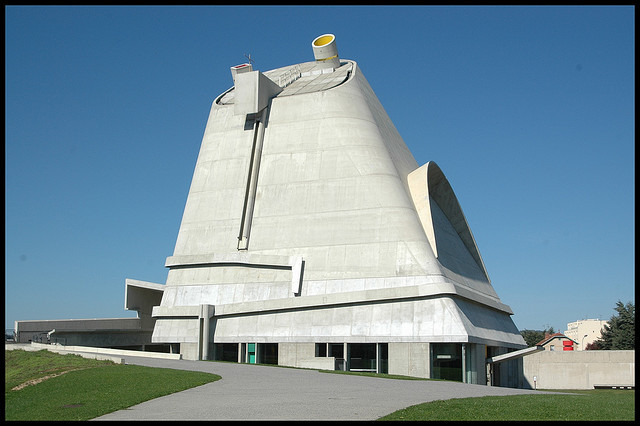 Gallery of ad classics church at firminy le corbusier 11 for Corbusier sessel 00 schneider