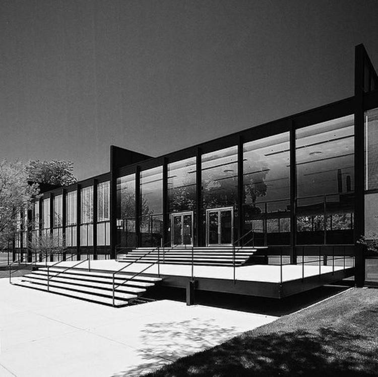 AD Classics: AD Classics: IIT Master Plan and Buildings / Mies van der Rohe, © Hagen Stier - Crown Hall