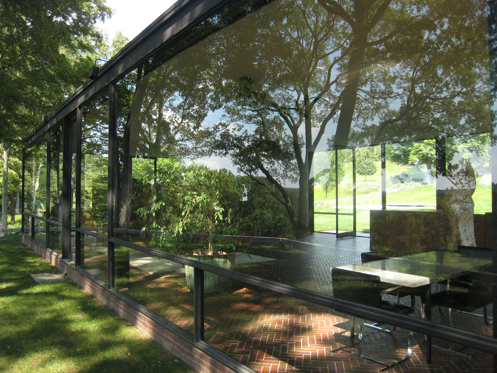 gallery of ad classics the glass house philip johnson 3. Black Bedroom Furniture Sets. Home Design Ideas