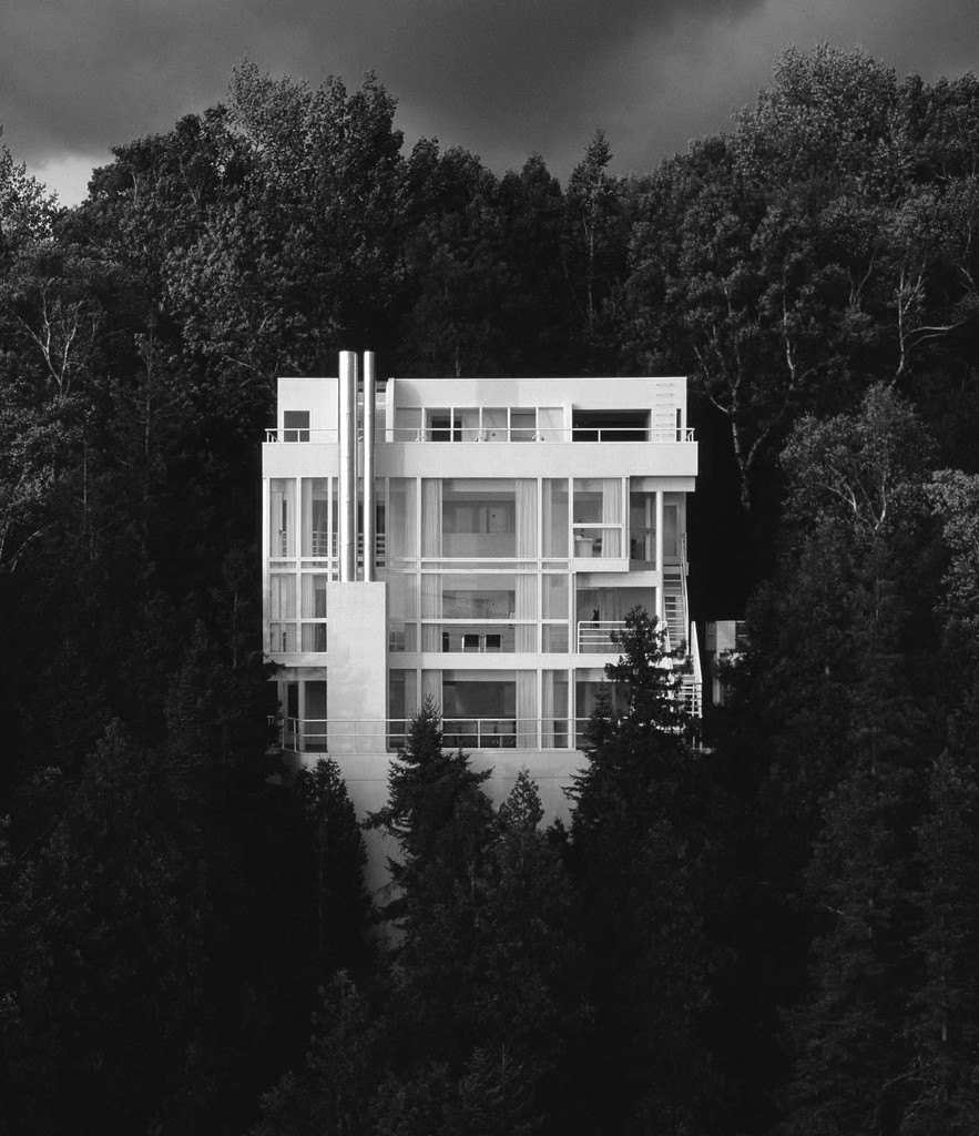 Ad classics douglas house richard meier partners for Ad house
