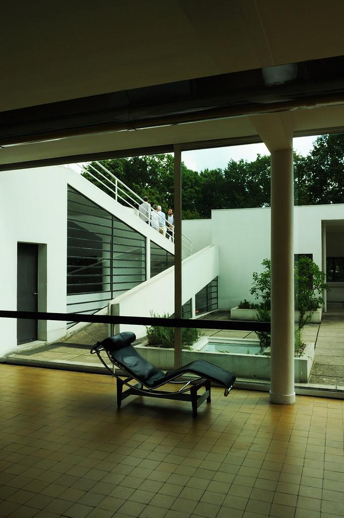 Gallery of ad classics villa savoye le corbusier 3 for Corbusier sessel 00 schneider