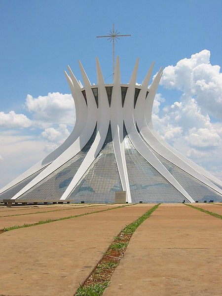 AD Classics: Cathedral of Brasilia / Oscar Niemeyer, © wikimedia commons