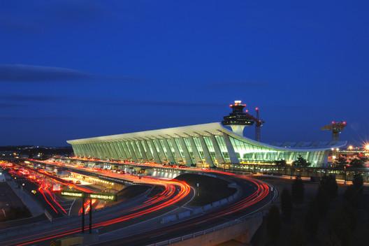 AD Classics: Dulles International Airport / Eero Saarinen