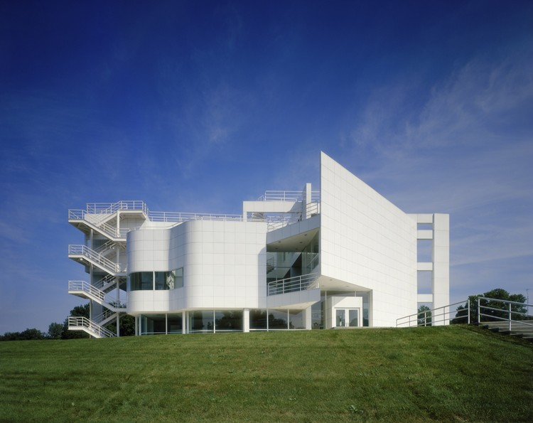 AD Classics: The Atheneum / Richard Meier & Partners