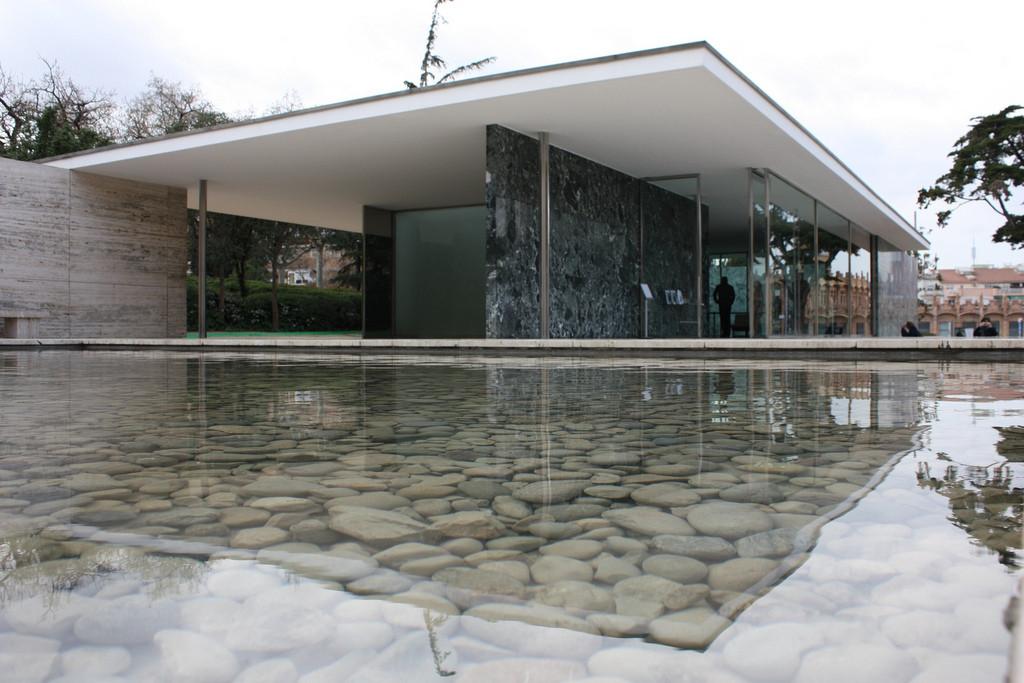 Gallery of ad classics barcelona pavilion mies van der for Casa minimalista de mies van der rohe