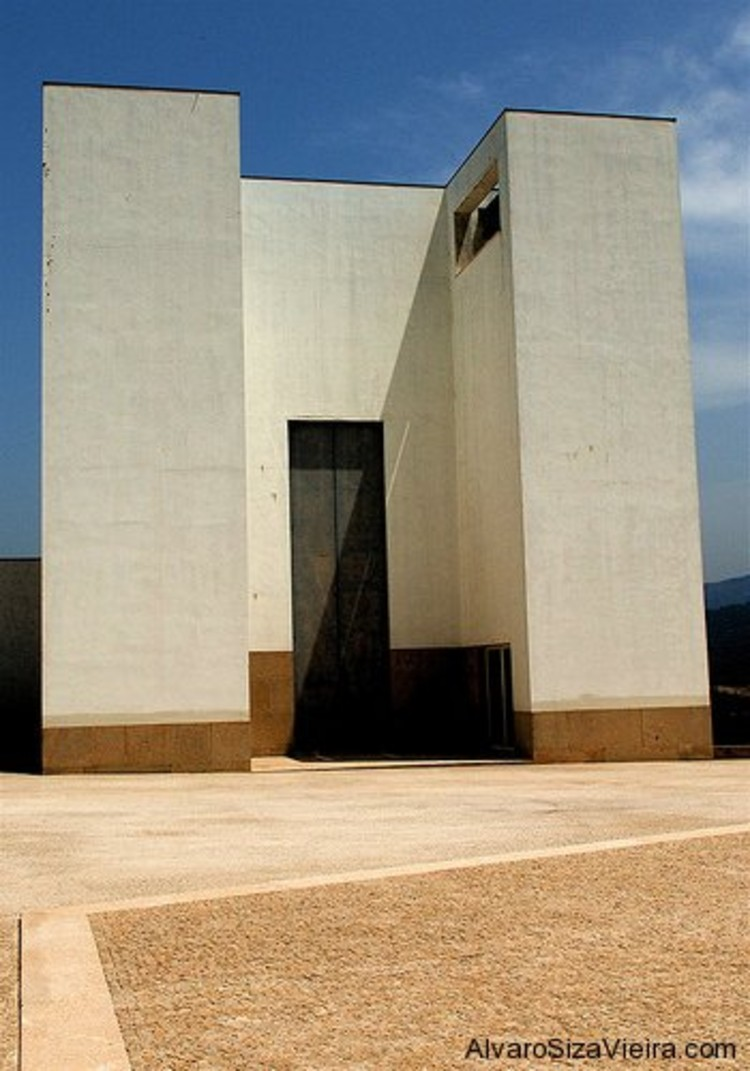 AD Classics: Santa Maria Church de Canaveses / Álvaro Siza Vieira, Courtesy of Alvaro Siza Website