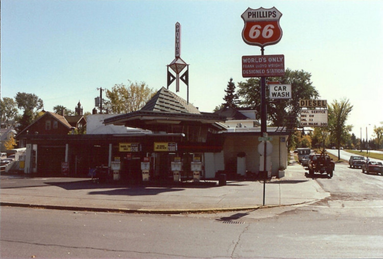 AD Classics: R.W. Lindholm Service Station / Frank Lloyd Wright, Courtesy of Minnesota Historical Society