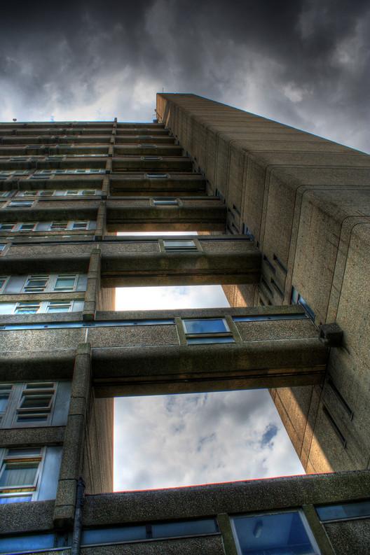 AD Classics: Trellick Tower / Erno Goldfinger 1