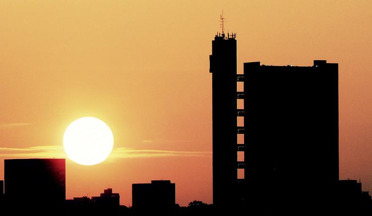 AD Classics: Trellick Tower / Erno Goldfinger 6