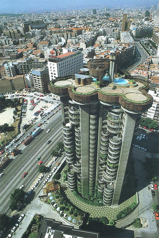 AD Classics: AD Classics: Torre Blancas / Francisco Javier Sáenz de Oiza