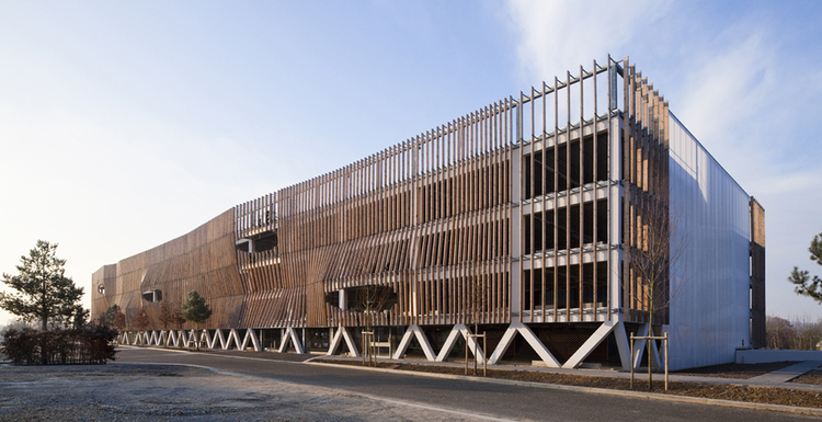 Parking in Soissons / Jacques Ferrier Architecture