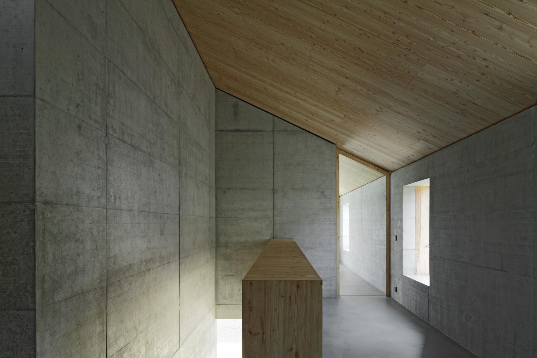 Superb House D,© Tom Bisig