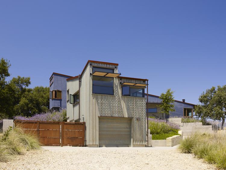 Santa Ynez House / Fernau + Hartman Architects, © Richard Barnes & Marion Brenner