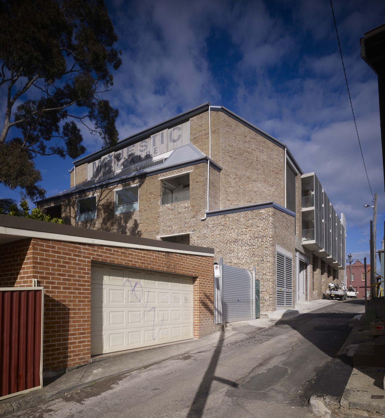 Majestic Theatre Apartments / Hill Thalis Architecture