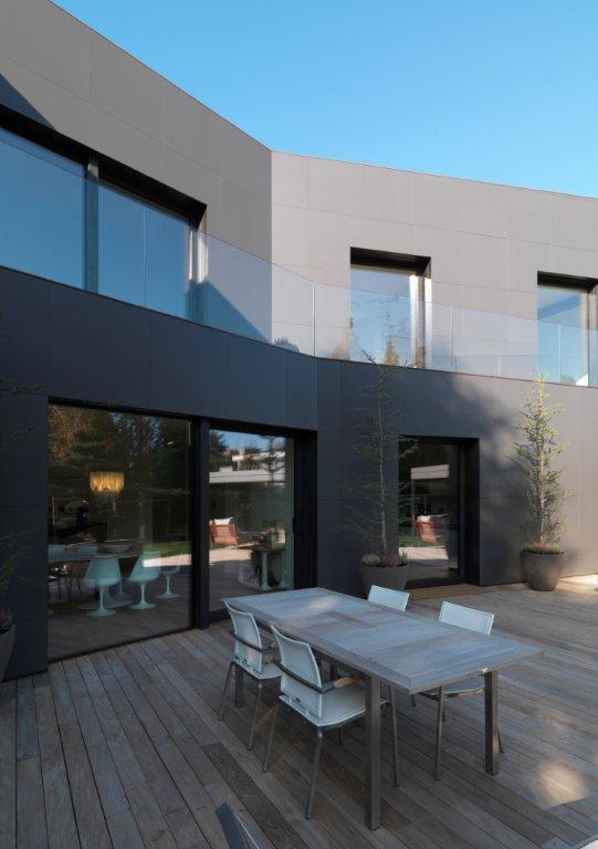 Gallery of casa di sassuolo enrico iascone architetti 5 for Case di architetti