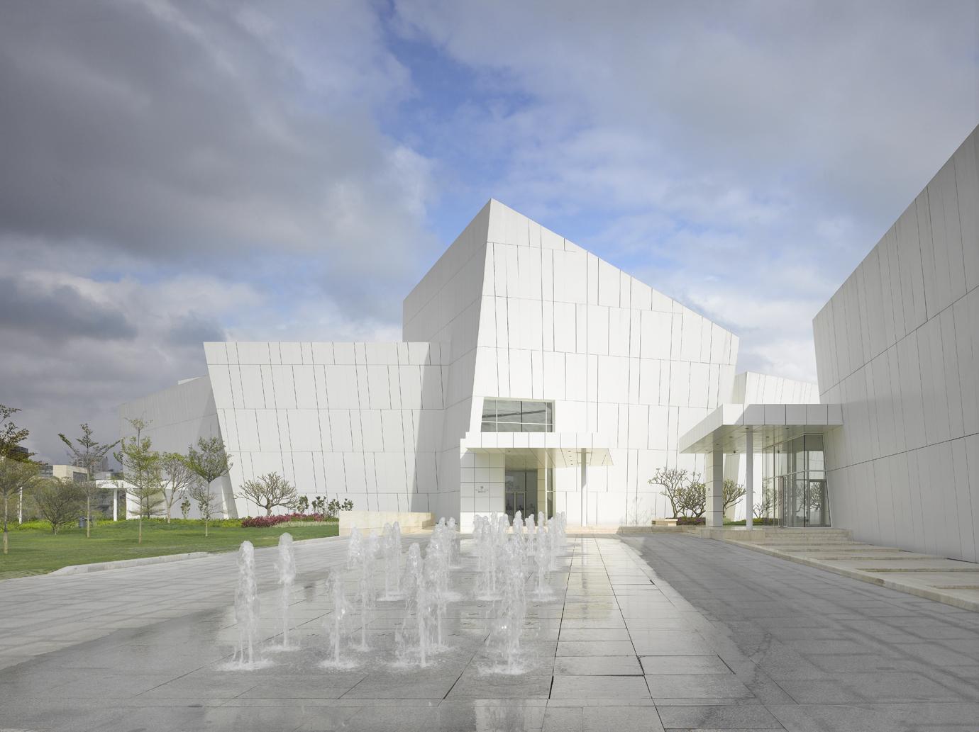 OCT Shenzhen Clubhouse / Richard Meier Architects, © Roland Halbe
