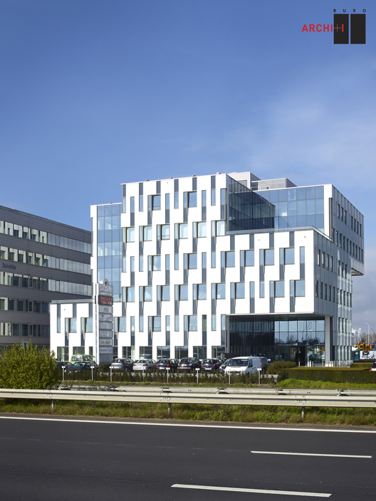 Indimmo Roeselare Office / Buro II & Archi+I, © Indimmo Roeselare © DSP Fotostudio