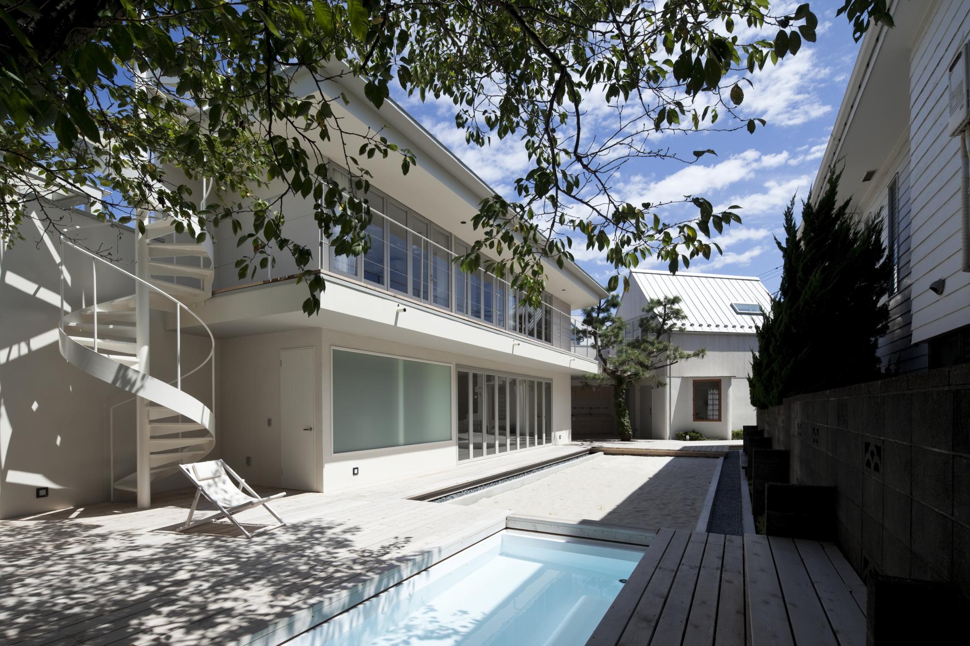 Seaside Retreat Hayama / YJP architecture,  45g Photography