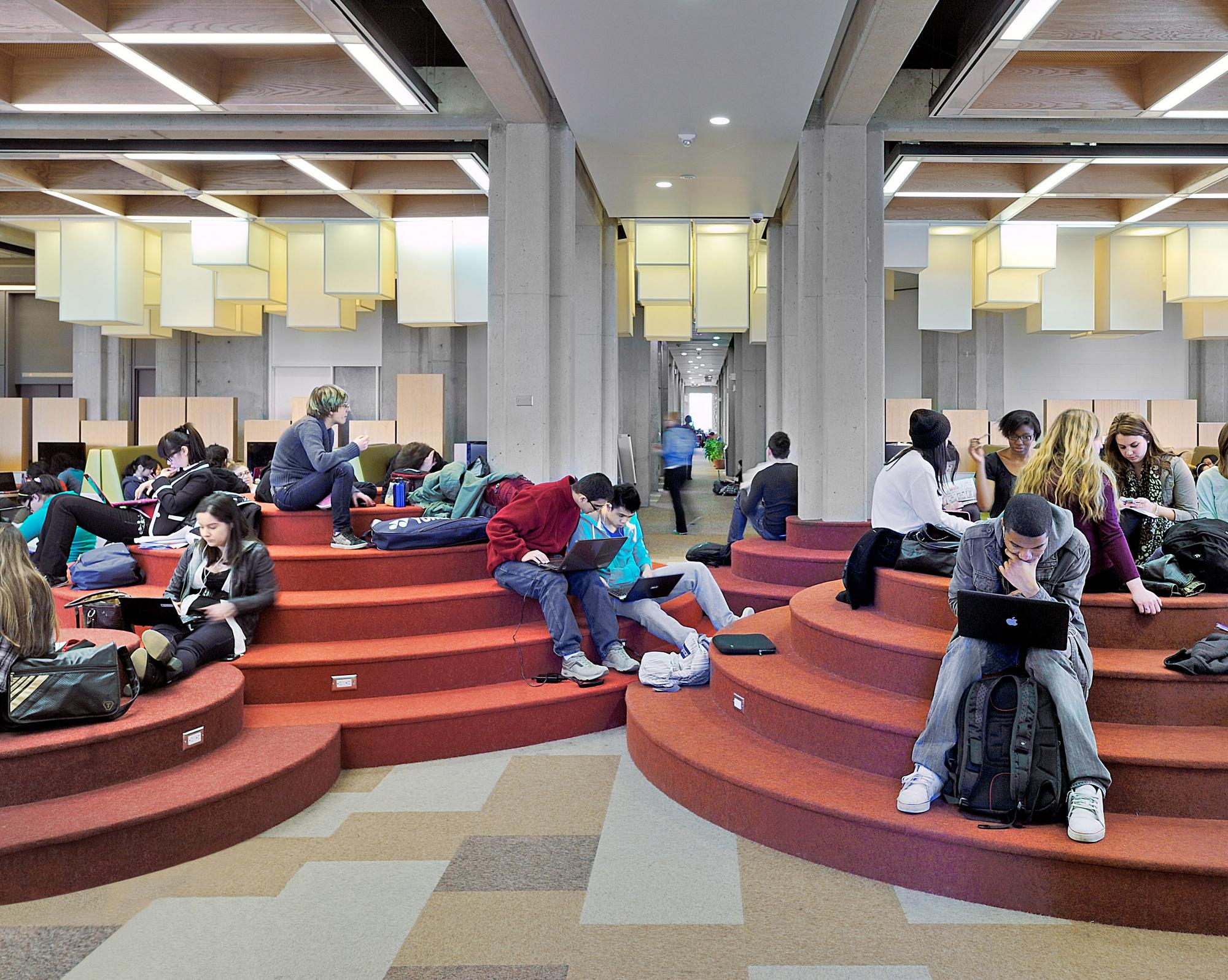 York University Learning Commons / Levitt Goodman Architects, © Bob Gundu